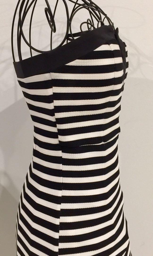 Dotti Size 8 Dress Bodycon Fitted Pencil White Black Stripe Strapless V Neck