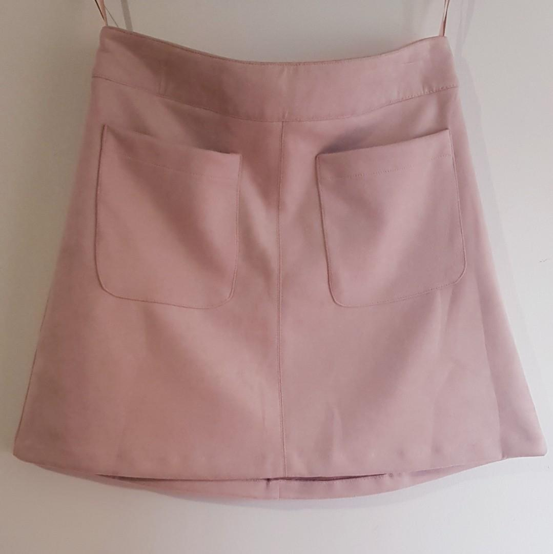 Suede dusty pink skirt, new with tags, size 10.