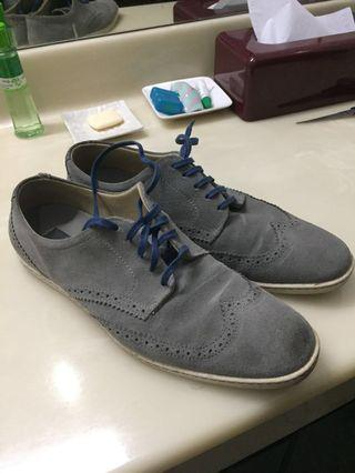 Fred Perry Oxford Brogues Point Toe Suede Grey
