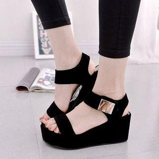 Strap sandal wedges
