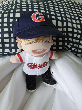 WTS Doll clothes 20cm - Kang Daniel Giant baseball outfit