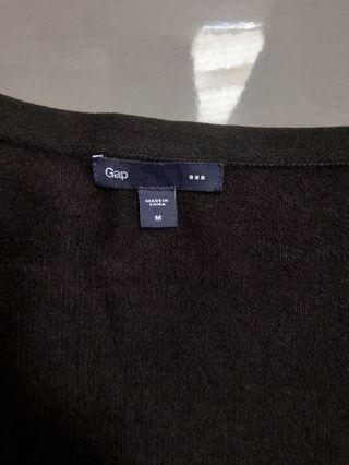 Sweter GAP hitam
