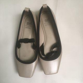 Mini Melissa Cream size 31 Pita