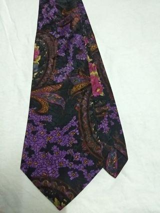 PedChick flora neck tie