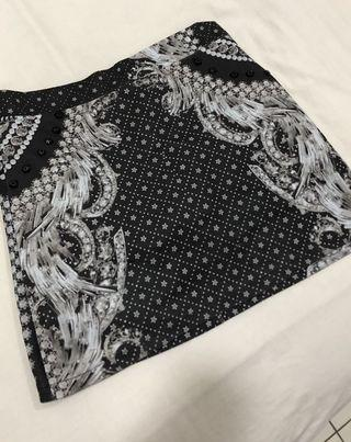 F Block Classic print skirt