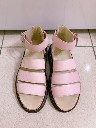 Dr.Martens CLARISSA 厚底涼鞋(粉紅)