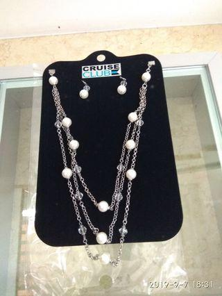 Costume  jewellery -  necklace with earrings