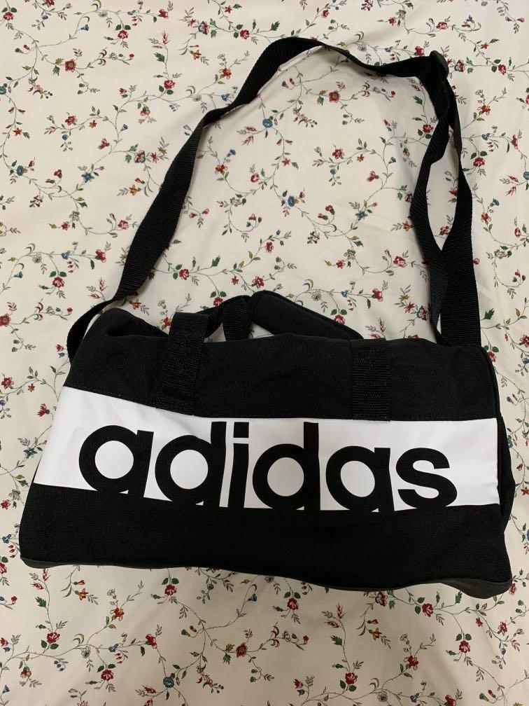 Limitado buffet boicotear  Adidas Linear Performance Duffel Bag XS, Luxury, Bags & Wallets, Sling Bags  on Carousell