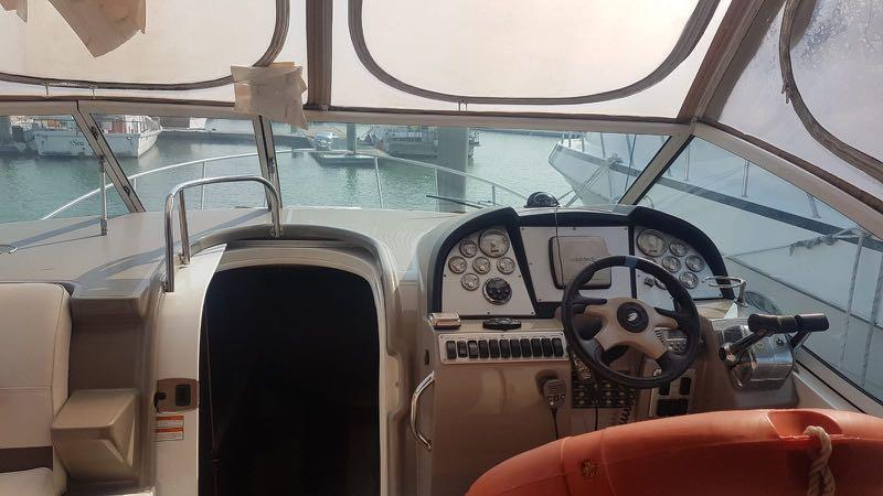 Boat for Sale: Cruiser Yacht Express 300