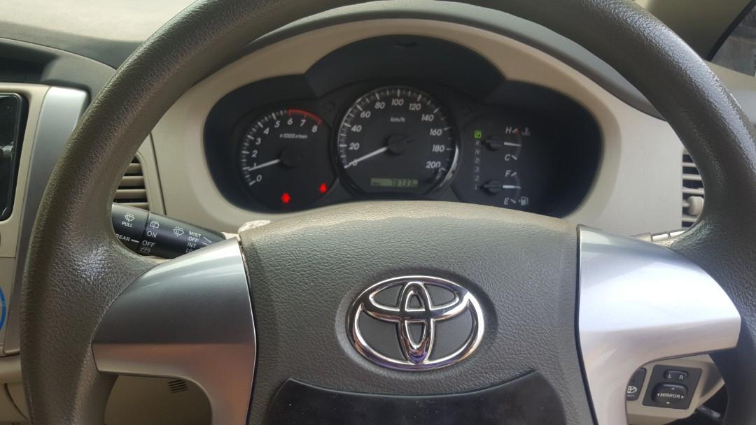 Di jual Toyota Innova G AT Tahun 2014 km rendah ac dingin pajak panjang