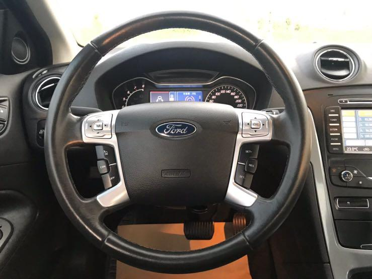 Ford Mondeo 2012年