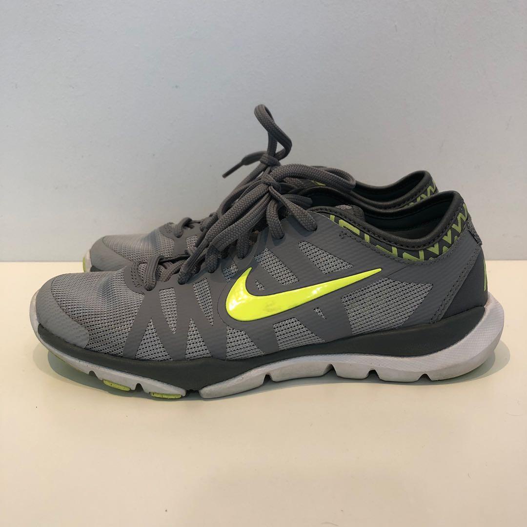 Elucidación homosexual Venta ambulante  Nike Flex Supreme TR 3 Women's Shoes, Women's Fashion, Shoes, Sneakers on  Carousell
