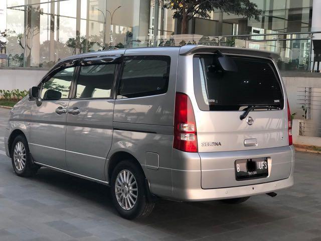 Nissan Serena CT AT 2010 Silver Low KM Pemakaian Pribadi Istimewa