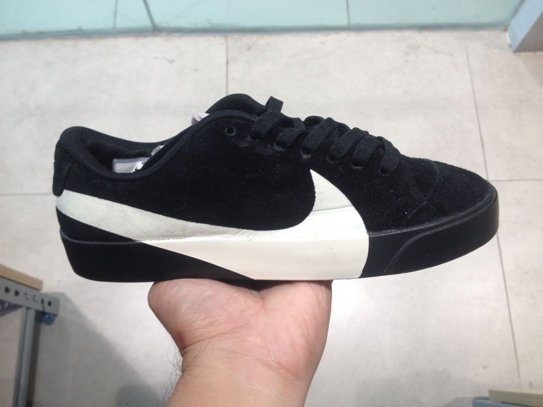 Mansedumbre científico Último  Rare Nike Big Swoosh Gamuza Shoes, Women's Fashion, Shoes, Sneakers on  Carousell