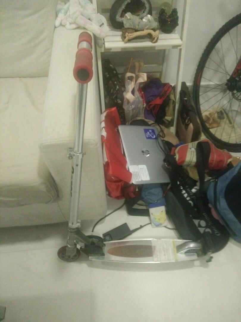 [SELLING!!!] 2 Kids Scooters