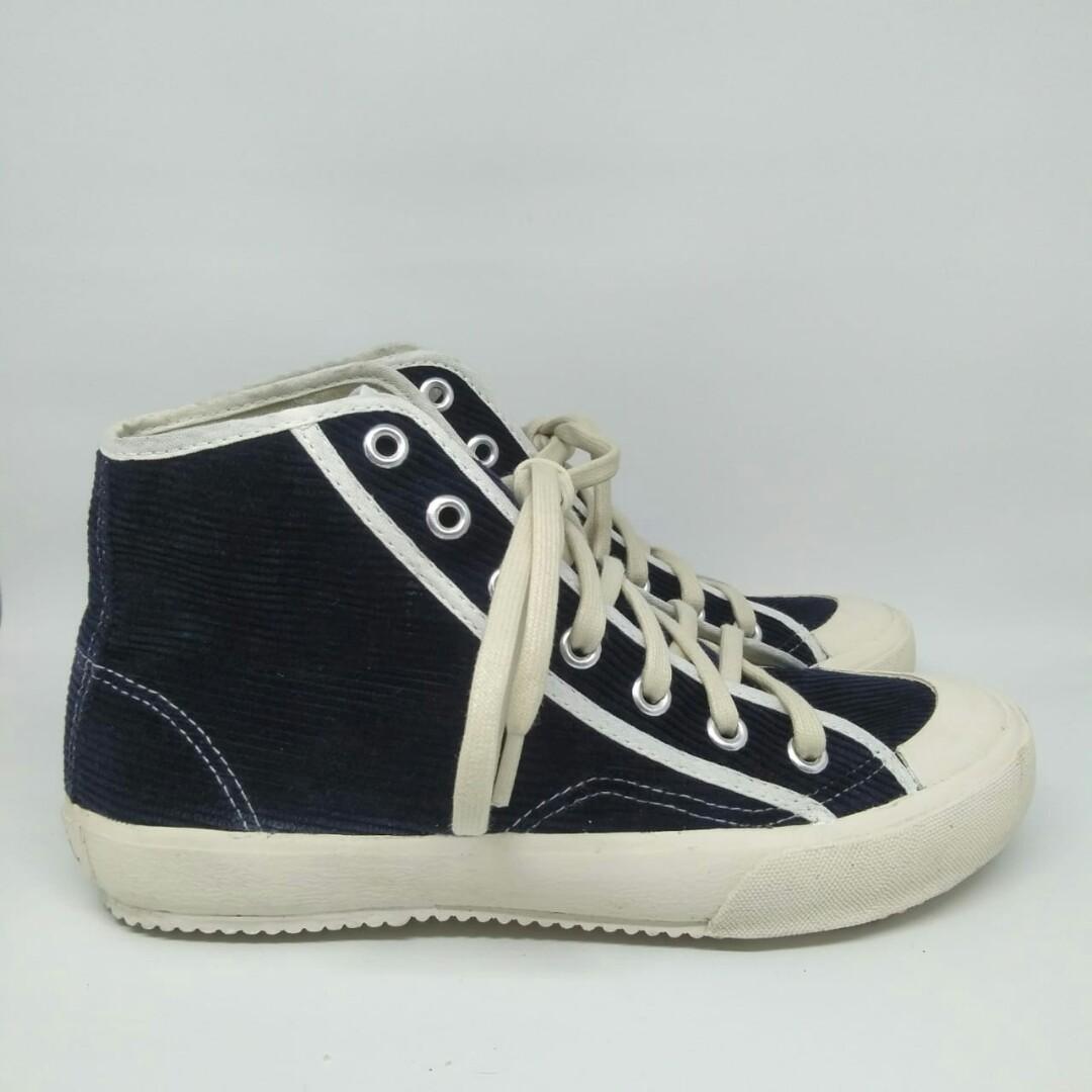 Sepatu Pijak Bumi Sakka Womens Fashion Womens Shoes On