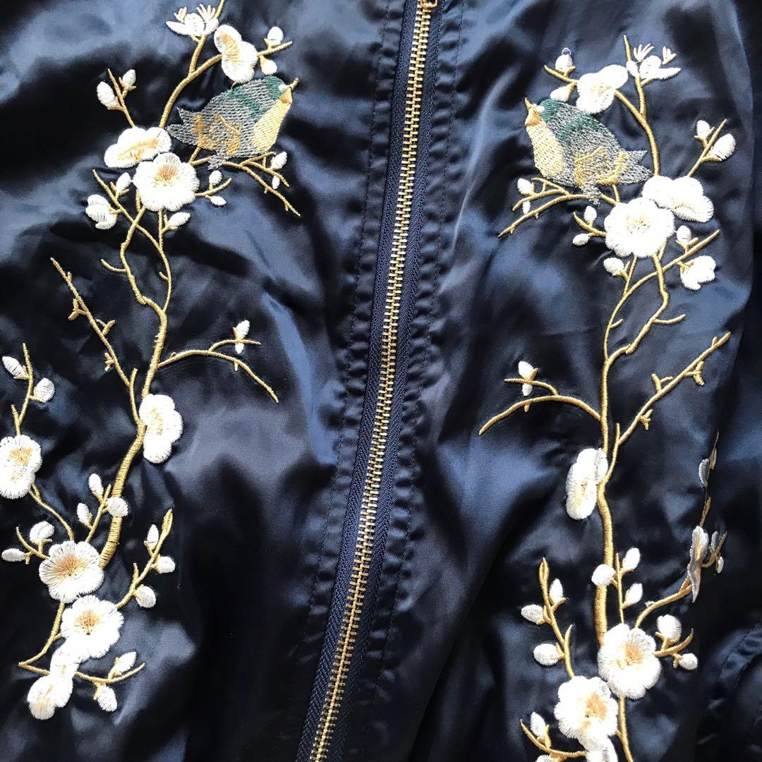 [WTS] NAVY FLORAL EMBROIDERED BOMBER JACKET