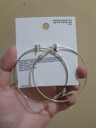 Anting-anting/earrings H&M