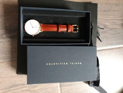 DW small watches 32mm
