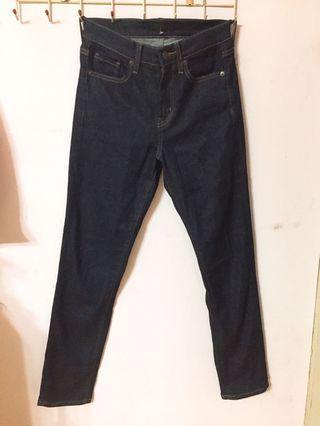 Uniqulo牛仔黑褲#五折清衣櫃