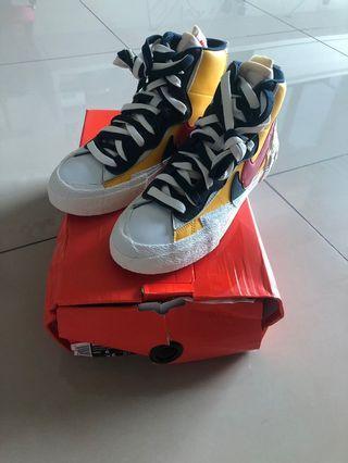 Nike Sacai blazer yellow us6 with damaged box
