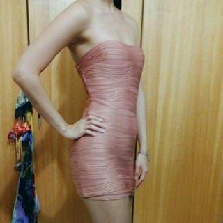 F) 粉藕色平口短洋裝 有內裡胸墊
