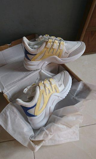 LV sepatu olahraga sport shoes Louis Vuitton
