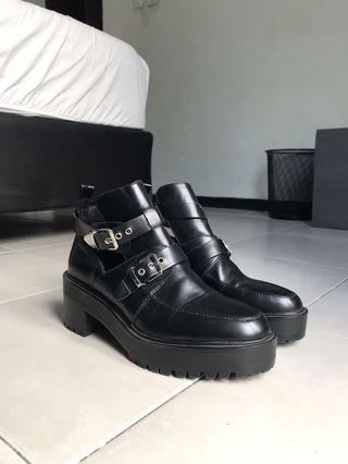 Pull&Bear Black Leather Ankle Boots