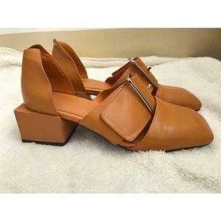 土磚色方頭方跟復古鞋