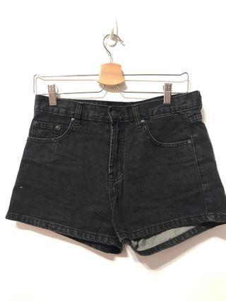 牛仔短褲-黑