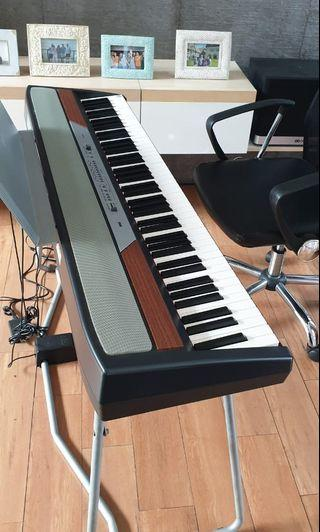 Keyboard Korg SP-250