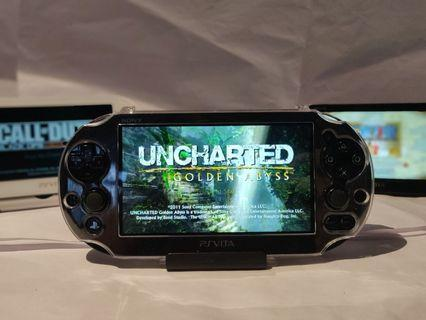 Sony PS Vita 2000 + 800 Games + Screen Protector + Uncharted Golden Abyss + Call Of Duty
