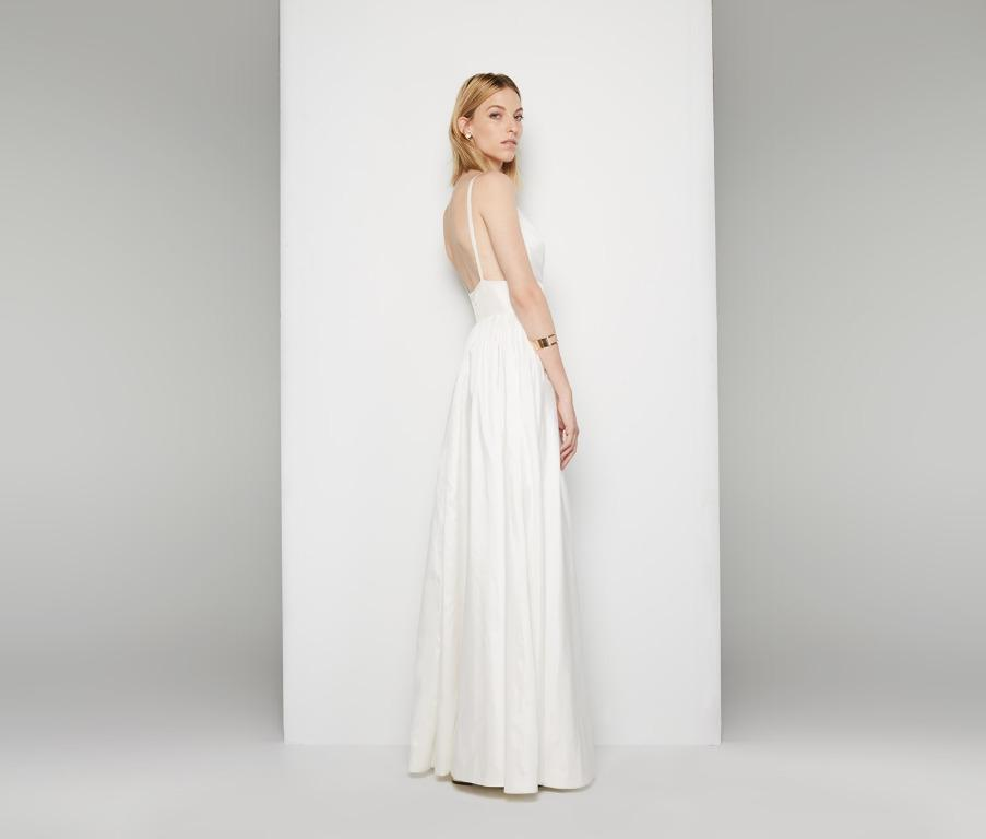 BNWT FAME & PARTNERS WHITE ASTRID GOWN - SIZE 8 AU (RRP $299)