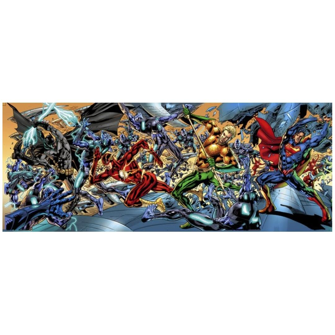 Justice League #1 Bryan Hitch 7-part 1:100 Incentive Fold Out Cover -- Collector's Item