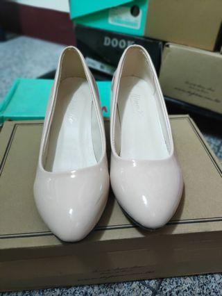 粗跟皮革氣質粉色高跟鞋
