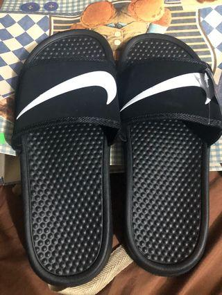 online store 024f9 0f073 nike slippers - View all nike slippers ads in Carousell ...