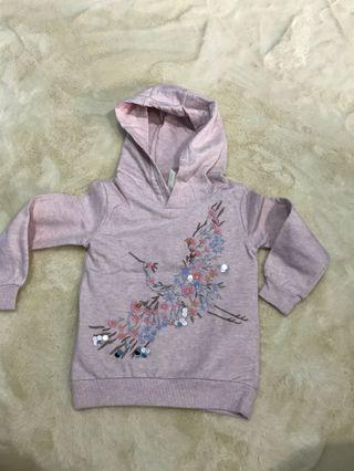 Girl's sweater / hoodie