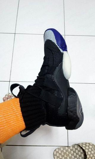 Adidas crazy byw boost us8.5