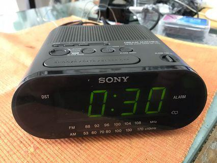 Sony Dream Machine FM/AM Clock Radio ICF-C218