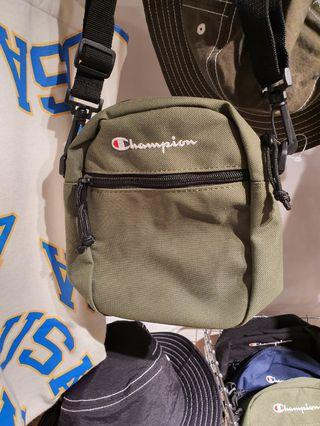 Champion shoulder bag