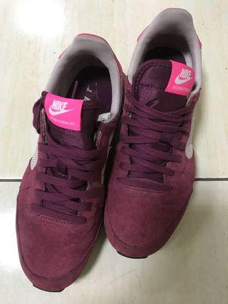 Nike Internationalist女鞋