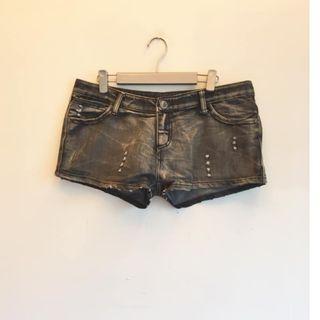 黑色 #低腰 牛仔短褲 #五折出清女裝