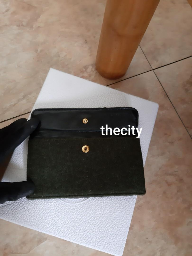 AUTHENTIC CHANEL QUILTED CC LOGO FLAP VANITY - JERSEY CANVAS - GOLD HARDWARE - LIKE NEW (KEPT UNUSED) - CLASSIC VINTAGE - COMES WITH EXTRA HOOKS AND LONG CHAIN STRAP FOR CROSSBODY SLING
