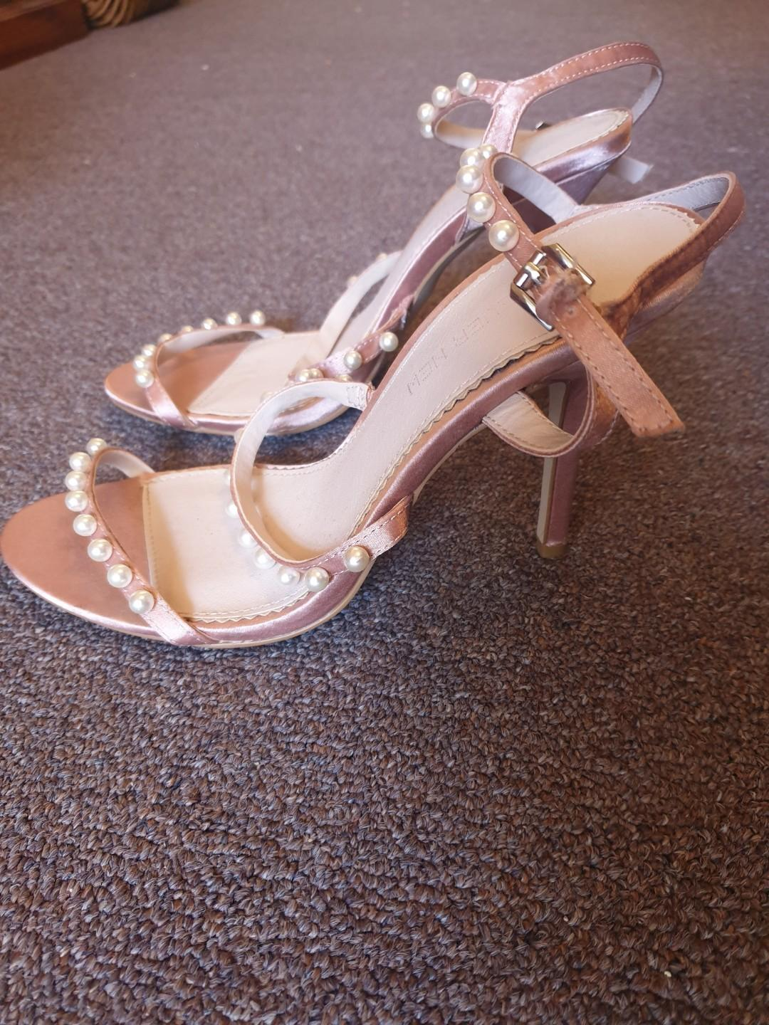 Forever New Champagne Satin Pearl Heels Size 38 7 Good Condition