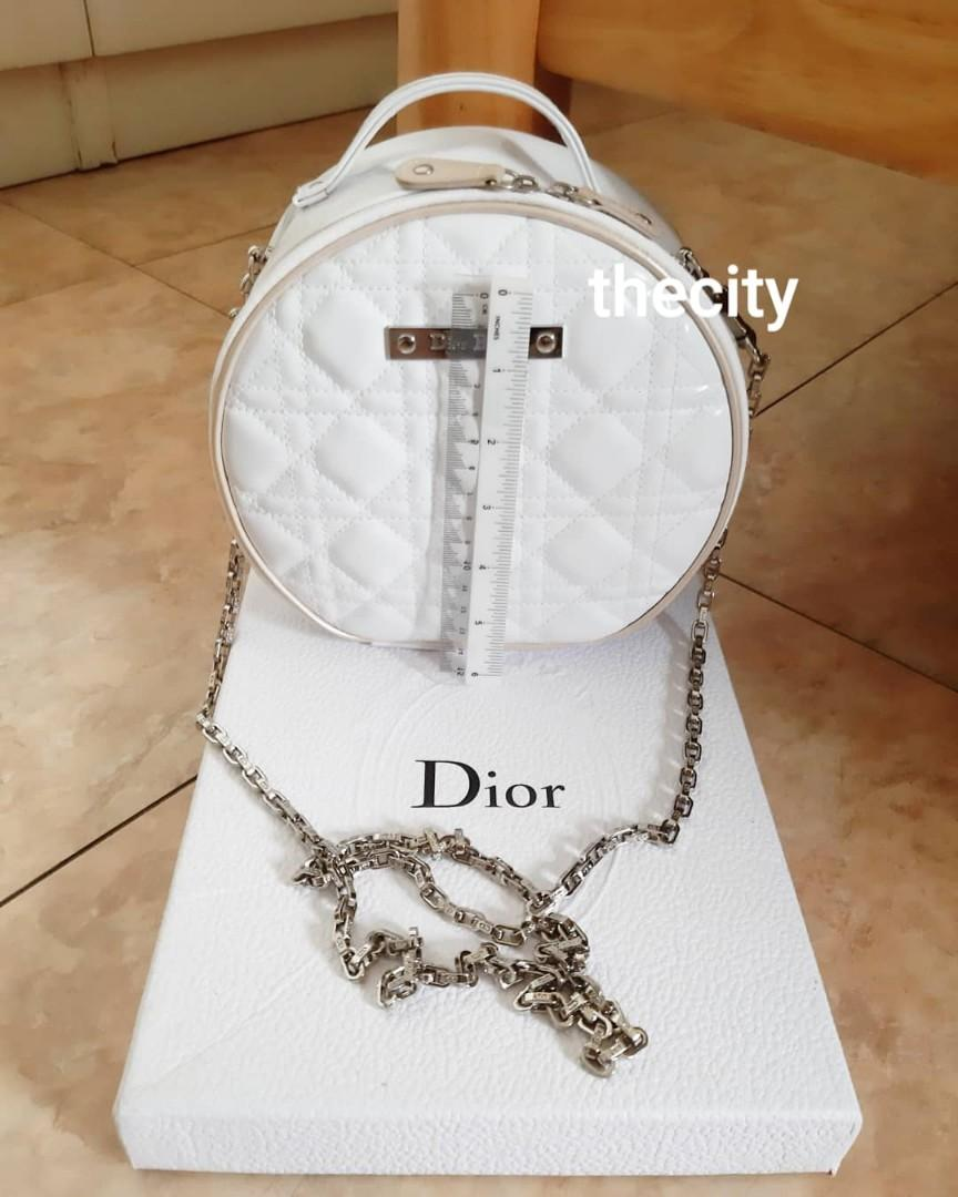 KEPT UNUSED ! - AUTHENTIC DIOR COSMETICS, LARGE VANITY BAG- LADY DIOR QUILTED DESIGN, WHITE PATENT COLOR - CLEAN INTERIOR - SILVER HARDWARE - COMES WITH DIOR LONG CHAIN STRAP FOR CROSSBODY SLING
