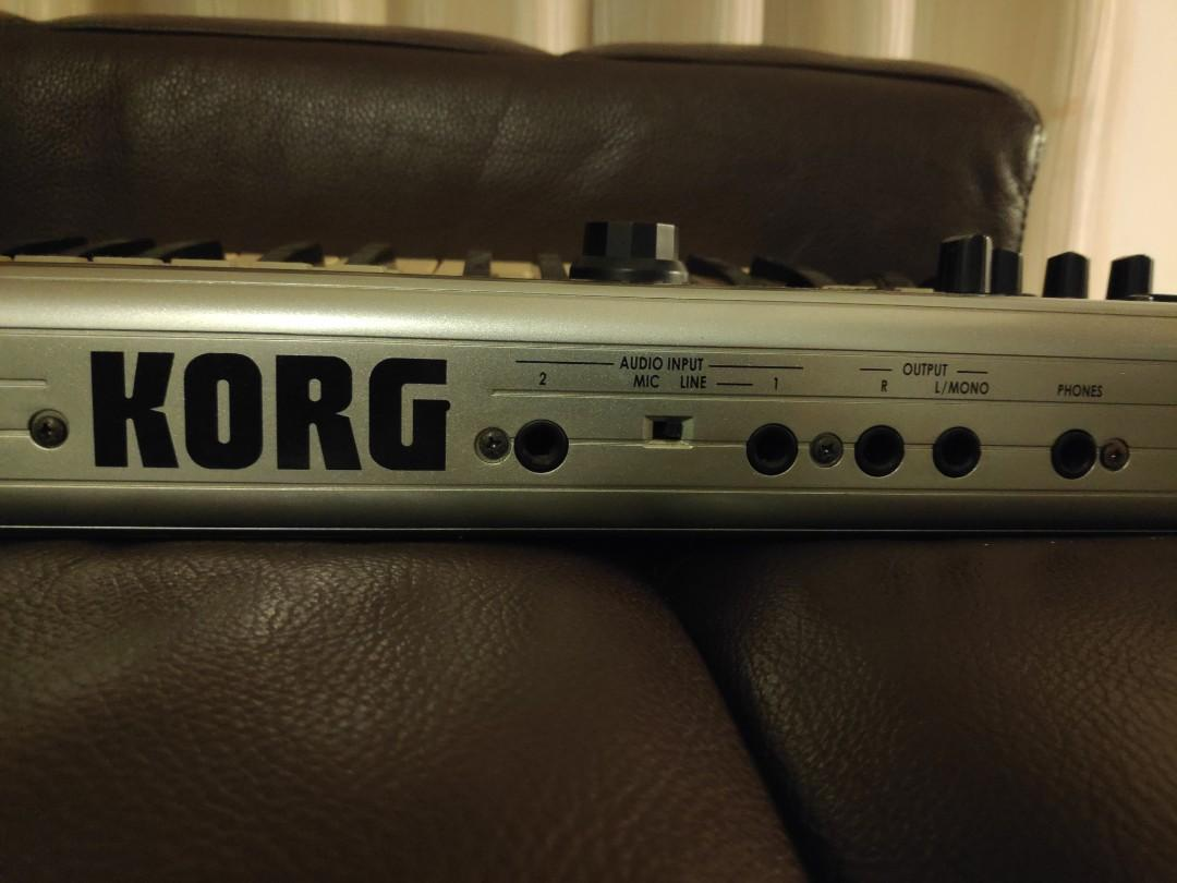 Korg R3 Synthesizer Vocoder