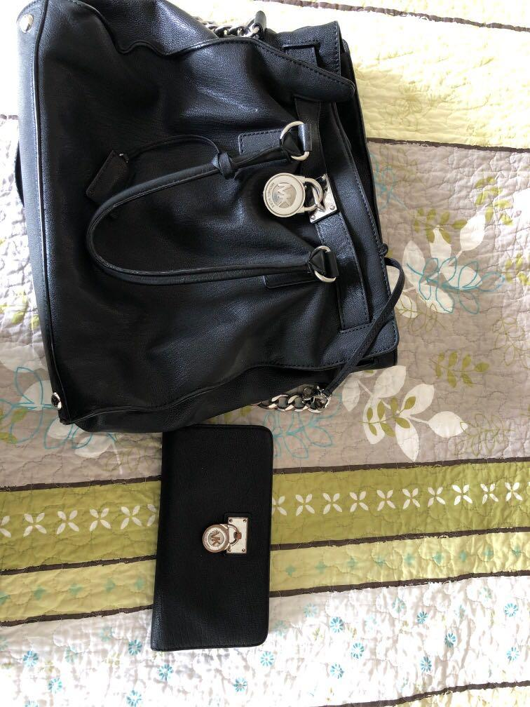 Micheal Kors bag and matching wallet mint condition