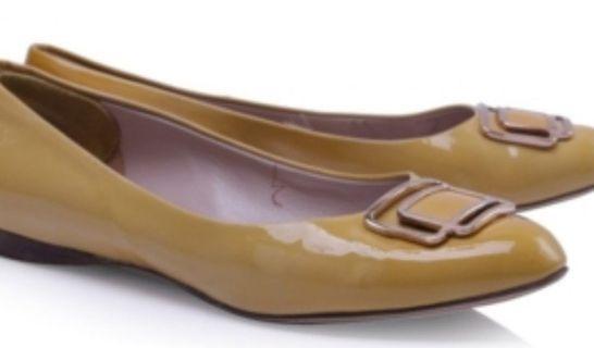 Authentic Salvatore Ferragamo yellow shoes