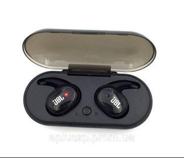 JBL wireless bluetooth earbuds