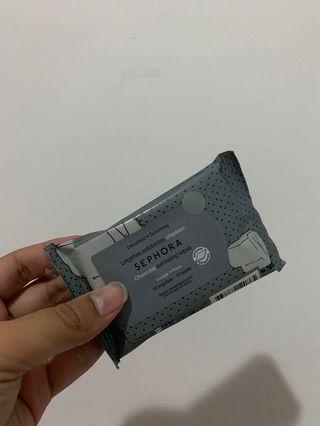 Charcoal exfoliating wipes